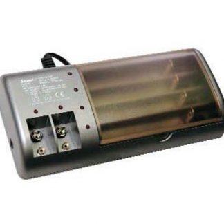 Carregador de Baterias NI-CD/NI-MH 1:8 AAA/AA/9V